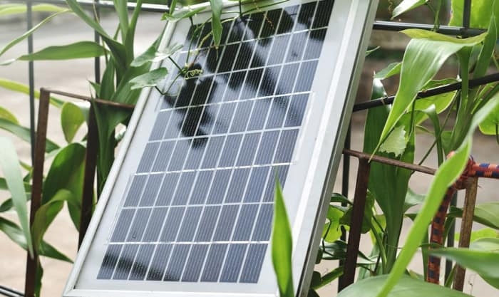 Can-you-heat-a-greenhouse-with-solar-panels