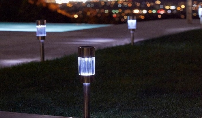 solar-lights-for-driveways