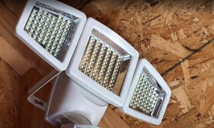 solar-power-shed-lights