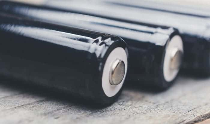 Can-you-use-normal-AA-batteries-in-solar-lights
