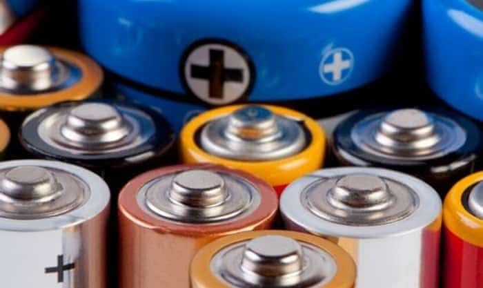Can-you-use-regular-AA-batteries-in-solar-lights