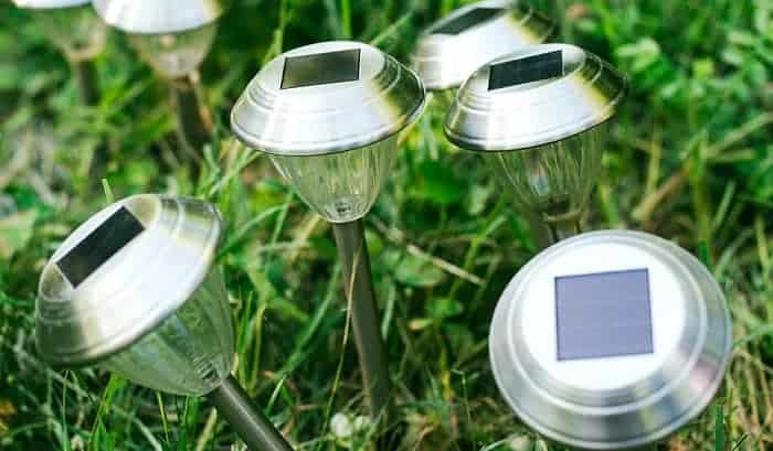 Can-you-use-vinegar-to-clean-solar-panels