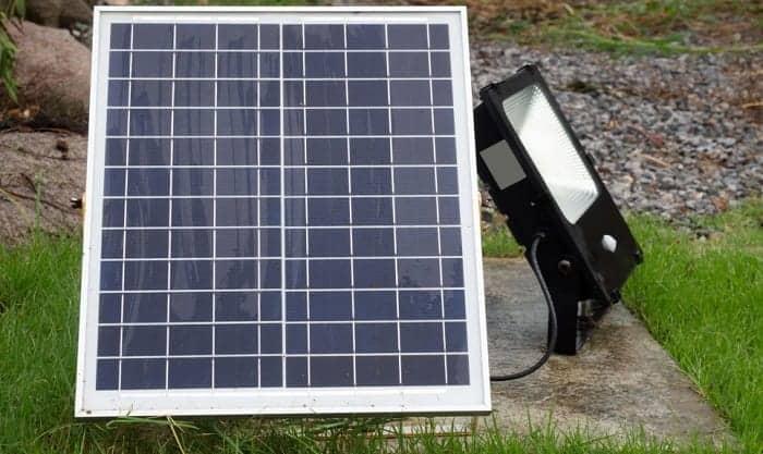 Do-solar-lights-work-on-cloudy-days