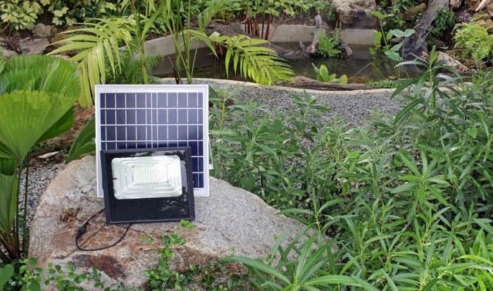 How-do-you-clean-cloudy-plastic-solar-lights