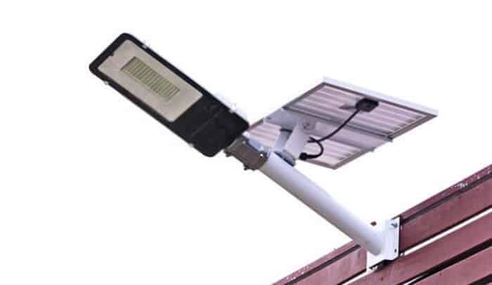 best-solar-powered-flood-light