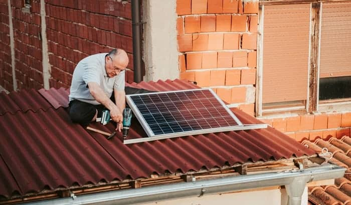 How to Mount Solar Panels on Roof