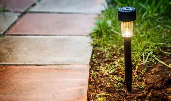 solar-light-stakes
