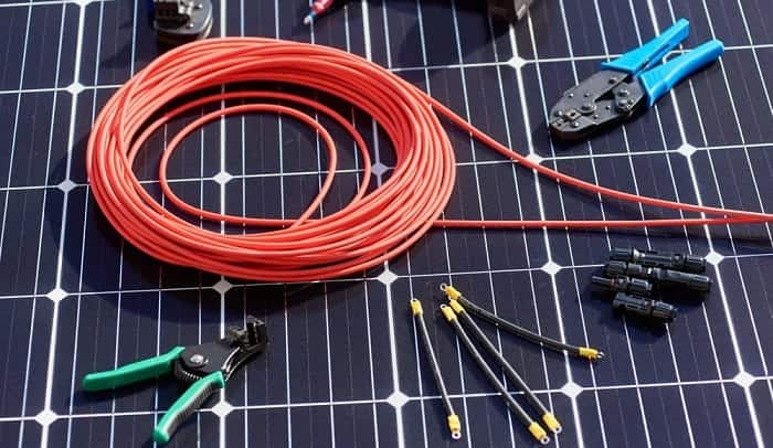 connecting-solar-panel-to-battery