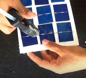 diy-solar-cell-phone-charger