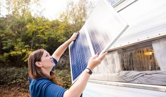 mounting-solar-panels-on-rv-roof