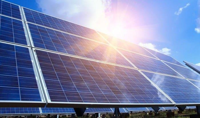 how hot do solar panels get