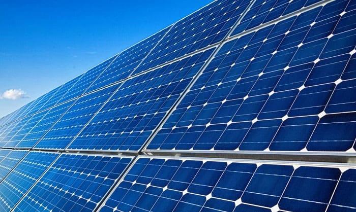black-solar-panels-vs-blue