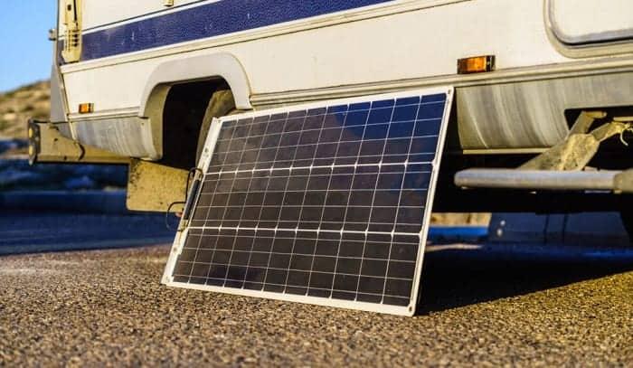 how many amps does a 100 watt solar panel produce
