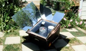 how does a solar oven work